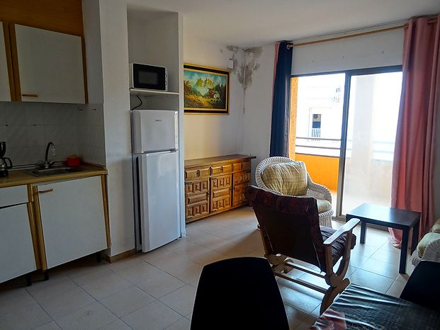 Apartment with a surface of 58 m2 located on the 1st floor of a building with exterior and accesses recently renovated,