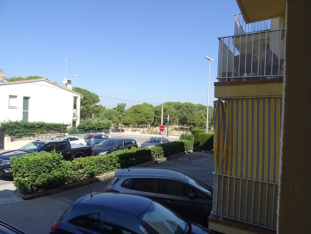 Nice apartment with an area of 59 m2 close to the port of L'Escala