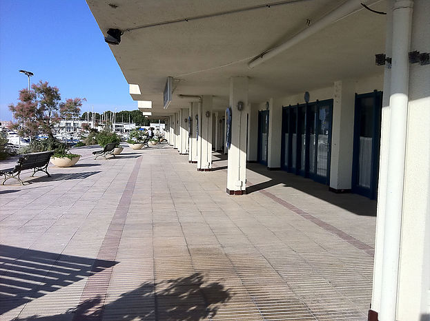 Restaurant with an area of 500 m2, located in the building Port L'Escala with splendid views