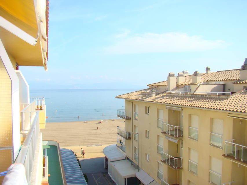 catalonia 21 appartement avec 45 m2 vendre riells plage. Black Bedroom Furniture Sets. Home Design Ideas